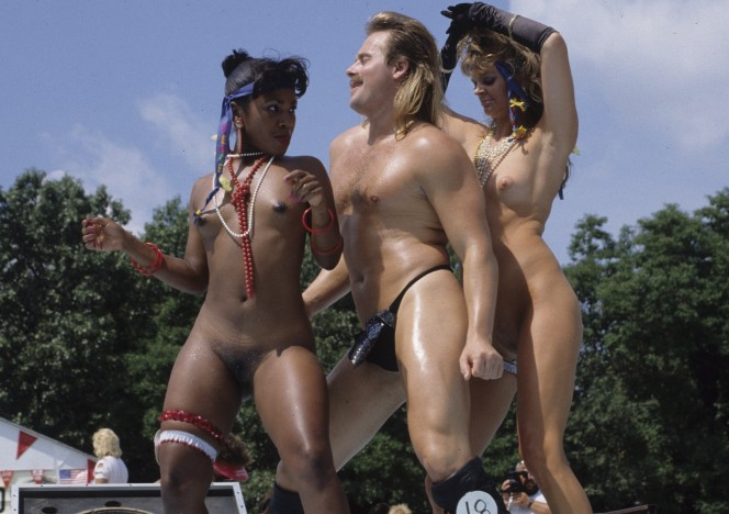 content/021416_august_1991_nudes_a_poppin_rocking_hot_naked_bodies_in_the_sun/0.jpg