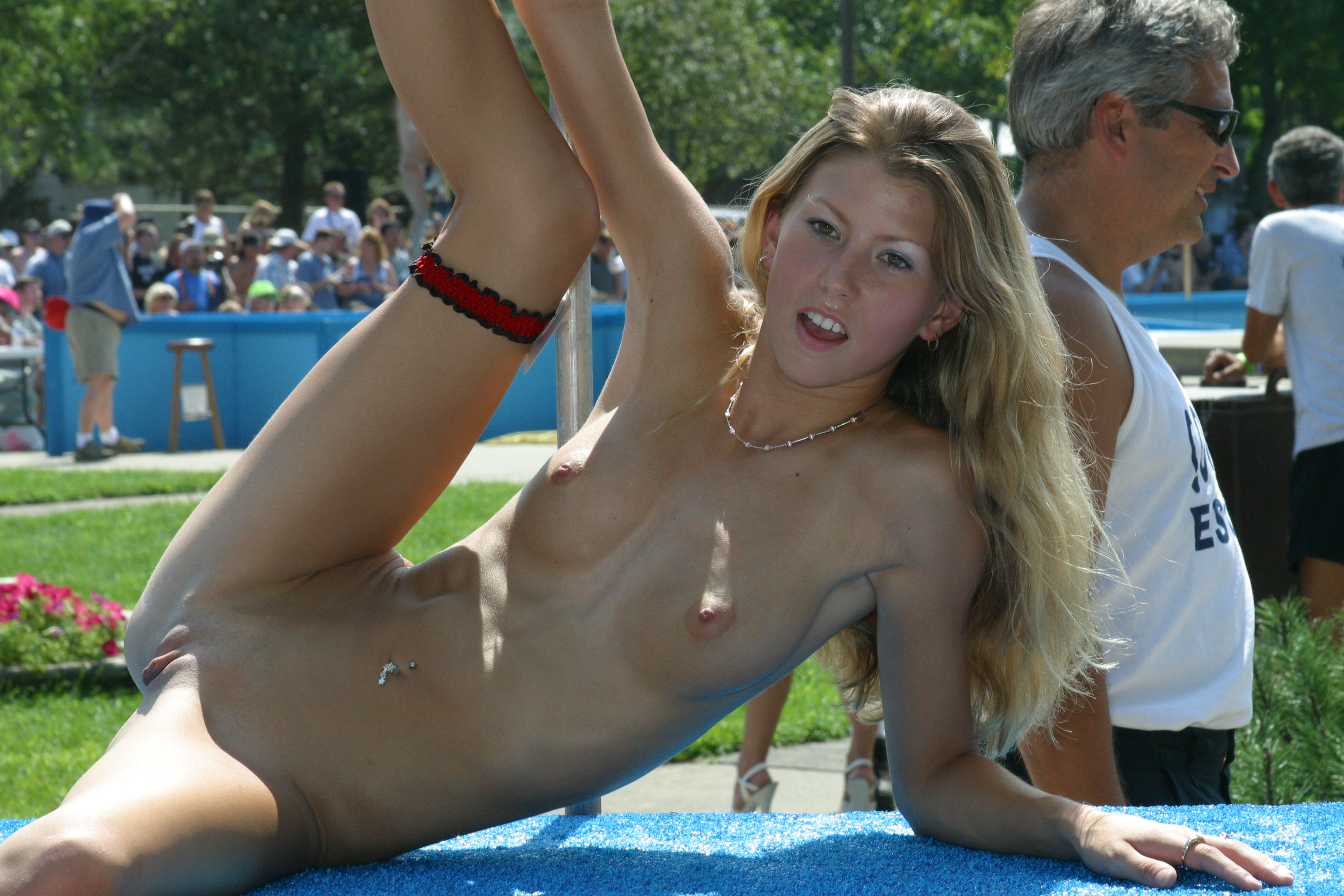 Babes at nude public show