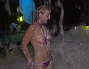 content/081116_hot_foam_party_key_west_losts_of_topless_girls/1.jpg