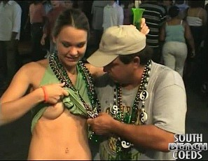 112412_girls_flashing_their_tits_and_pussies_at_mardi_gras